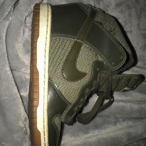 Olive green Nike's